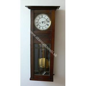 Nástenné hodiny (starožitnost)